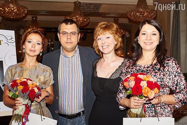 Наталья Бондина с гостями мероприятия