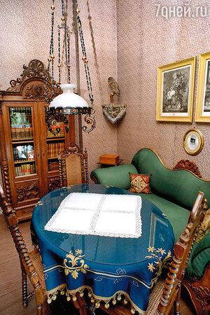 Гостиная в доме Альфреда Брема