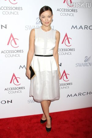 Оливия Уайлд в платье от Calvin Klein на церемонии 16th Annual ACE Awards в 2012 году