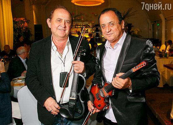 Легендарный скрипач-виртуоз Гасан Мамедов и лауреат Первой премии европейского международного конкурса гитаристов в Лозанне Энвер Измайлов