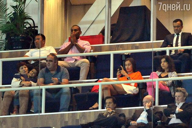 Ирина Шейк, которая, как обычно, наблюдала за игрой с VIP-трибуны