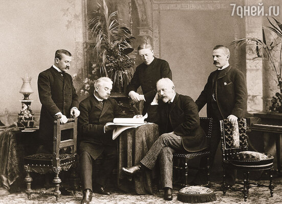 У Чайковского было четверо братьев: Ипполит и Николай прочно стояли на ногах, а Модест и Анатолий вытягивали деньги из композитора