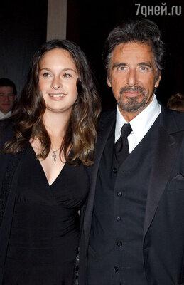 С дочерью Джули Мэри. Лос-Анджелес, 2010 г.
