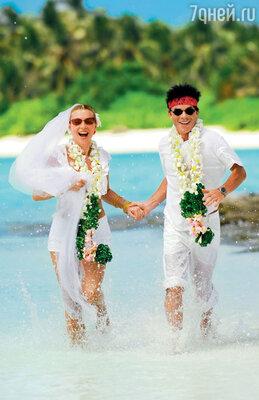 Олег Газманов с супругой Мариной: «Чтобы вернуть страсть в отношениях, достаточно снова почувствовать себя женихом и невестой». 2008 год