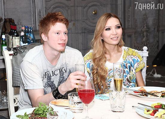 Никита Пресняков с невестой