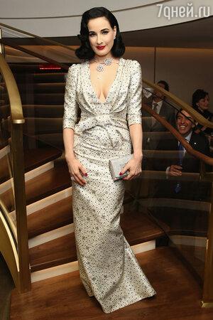 Дита фон Тиз (Dita Von Teese) в платье Carolina Herrera