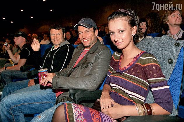 Андрей Чернышов и Анастасия Цветаева на премьере фильма «Гитлер капут!»