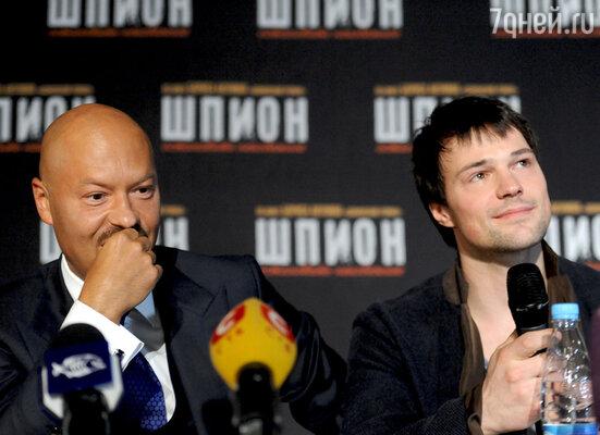 Актеры Федор Бондарчук и Данила Козловский (слева направо)