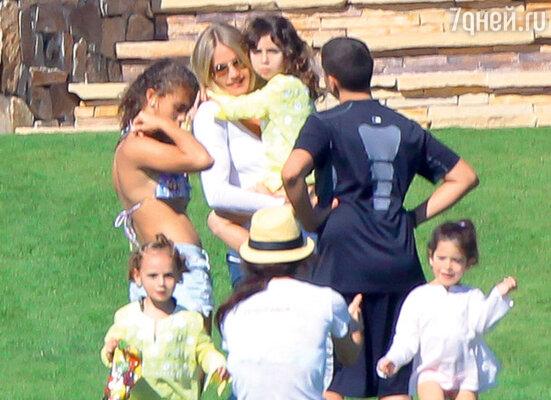 У Камерон Диас пока нет детей, но она их очень любит