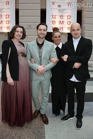 Виктор Добронравов с женой Александрой, Егор Дружинин с супругой Никой