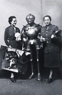 За военные заслуги Роз Валлан (справа) получила массу всевозможных наград. Восемь лет она провела в Германии, разбирая и восстанавливая художественные шедевры