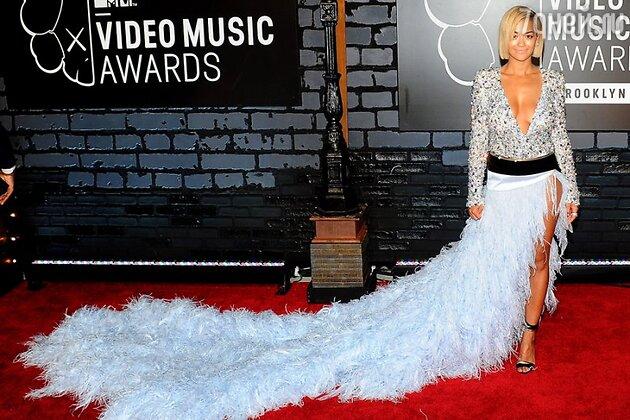 Рита Ора в наряде от Alexandre Vauthier на премии MTV Video Music Awards в 2013 году