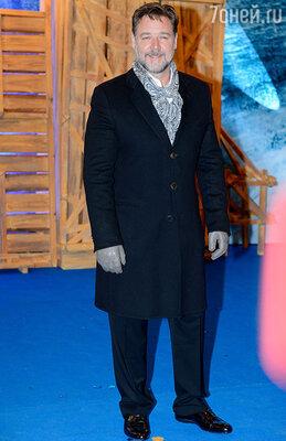 17 марта представить картину «Ной» в Москву прилетел Рассел Кроу
