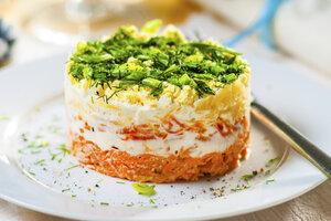 Салат «Мимоза» из отварной рыбы: рецепт закуски