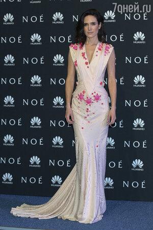 Дженнифер Коннелли  в Givenchy