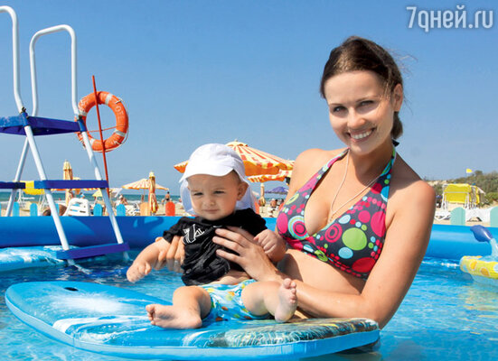 Наталия Лесниковская с сыном Егором