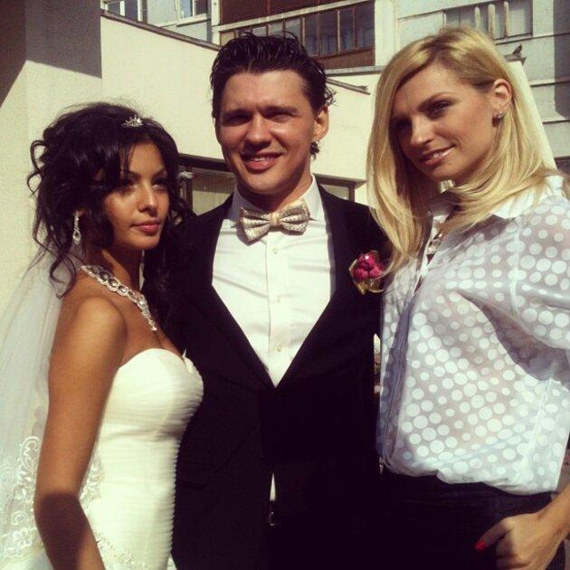 Алексей Кабанов с супругой Розой и Сашей Савельевой