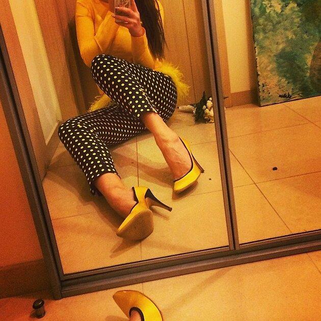 В дополнение к своему наряду Водонаева подобрала туфли на каблуках