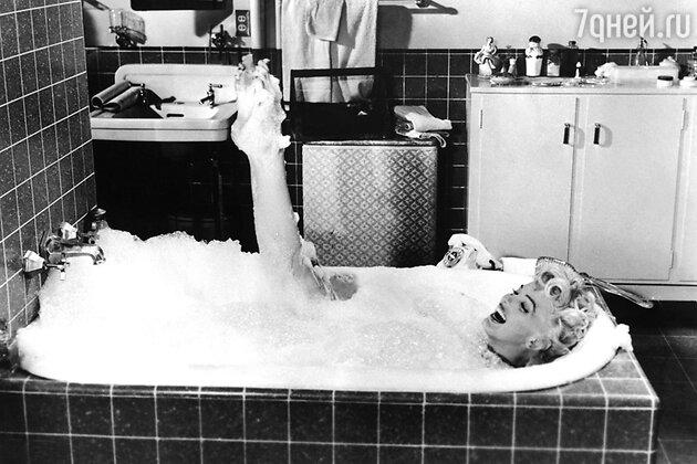 Мэрилин Монро в ванной
