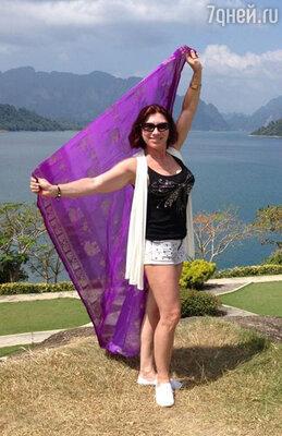 «16.01.13, Таиланд», — так Роза подписала три снимка, на одном из которых она изображена на фоне местных красот