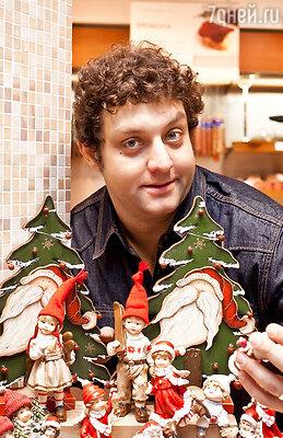 Михаил Полицеймако украсил новогоднюю красавицу-елку и оставил свое поздравление детям, проходящим курс реабилитации в одной из столичных онкологических клиник