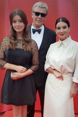 Александр и Екатерина Стриженовы с дочкой
