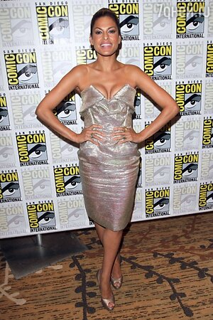 Ева Мендес в платье от Vivienne Westwood на фестивале «Comic-Con» в 2010 году