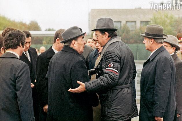 Владимир Мусаэльян и Леонид Брежнев