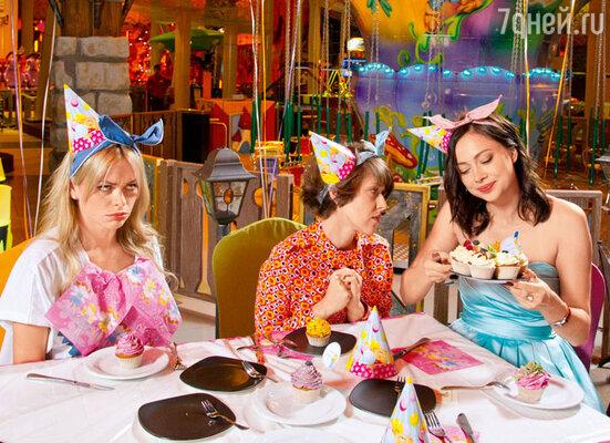 Настасья Самбурская: «Очень люблю сладкое, таких пирожных могу съесть штук пять зараз!»