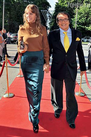 Дмитрий Дибров с женой Полиной. Церемония вручения премии «ТЭФИ». 2011 г.