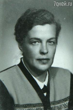 Мать — Ирина Сергеевна Ильинская. 1953 г.