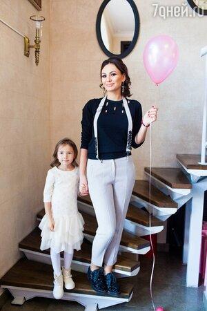 Инна Жиркова с дочкой