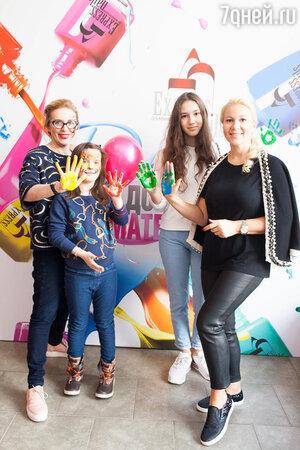 Маргарита Митрофанова и Екатерина Одинцова с дочками