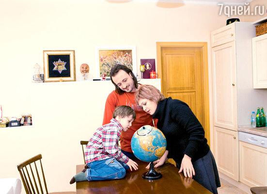 «Мама очень переживала за нас с Ирой, за Мартина. Боялась даже спросить о разводе...»