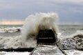 Шторм в Сочи: волны 4 метра