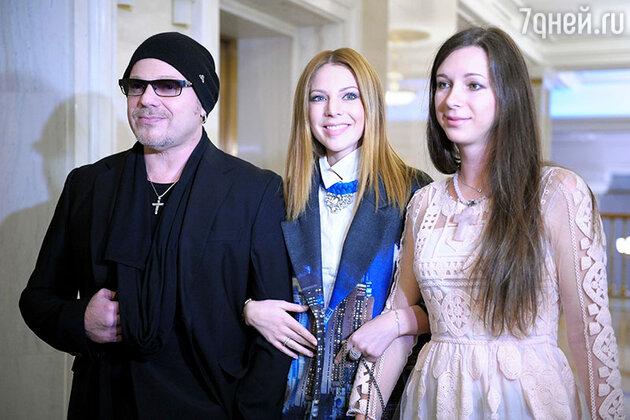Владимир Пресняков и Наталья Подольская с сестрой Юлианной