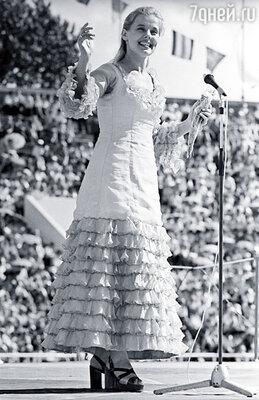 «Хоть по-о-верьте, хоть про-о-верьте» — просто детский сад! Я желала нравиться, выступать в красивом платье. Но Бадхен был неумолим
