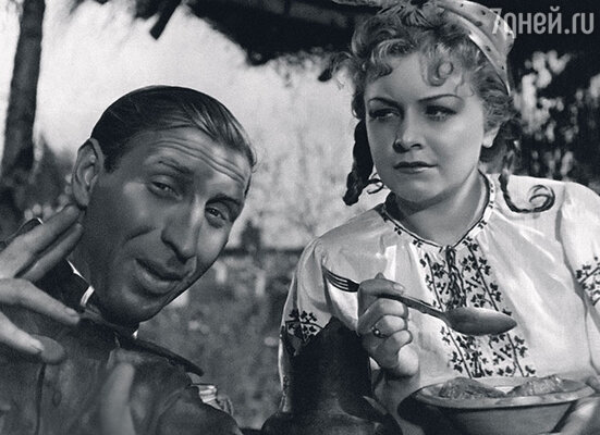 С Сергеем Филипповым в фильме «Беспокойное хозяйство». 1946 г.
