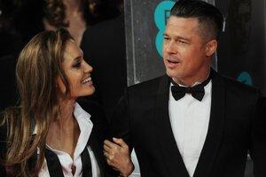 В Сети появился новый кадр со съемок фильма с Анджелиной Джоли и Брэдом Питтом