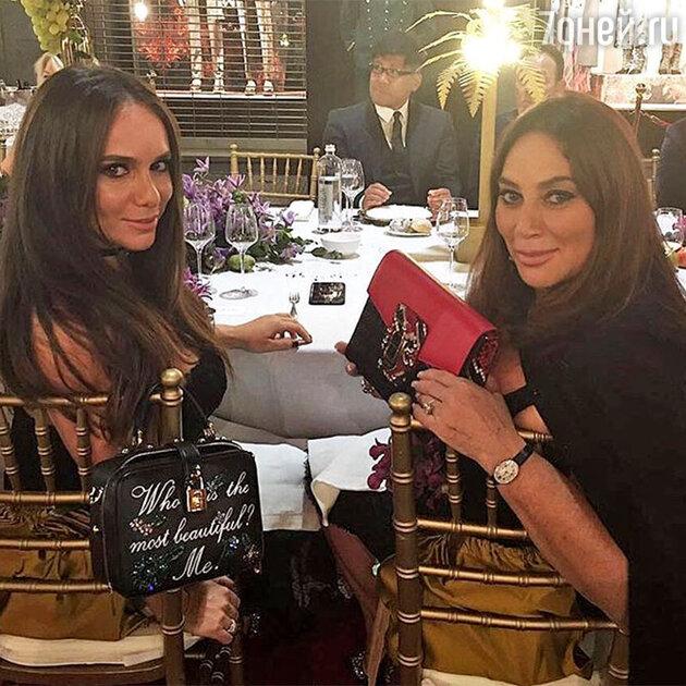Алла Вербер с дочерью Катей на ужине после показа весенне-летней коллекции Dolce&Gabbana
