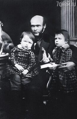 В 1846 году Пирогов остался вдовцом с двумя маленькими детьми на руках, Николаем и Владимиром