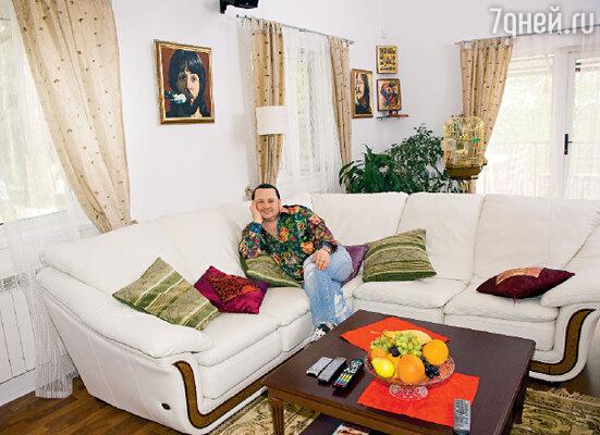 «Недавно Алла Борисовна Пугачева сказала мне: «Желаю тебе найти из тысячи женщин одну, которая родит тебе ребенка». Возможно, Господь услышит ее пожелание»
