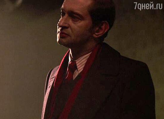 Константин Хабенский в роли дипломата Полякова. «Шпион, выйди вон!», 2011 год