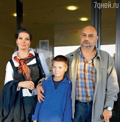Сергей Говорухин с супругой Верой и сыном Василием