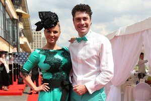 Парад шляпок на скачках «Гран-При Радио Monte Carlo-2015»