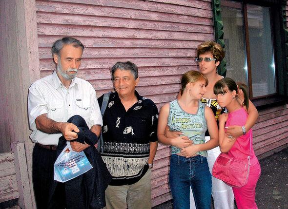 С Эдуардом и его дочерьми Светой и Ириной