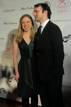 Челси Клинтон с супругом Марком Мезвински