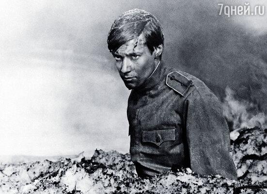 Та самая сцена, где мой герой гибнет под гусеницами танка