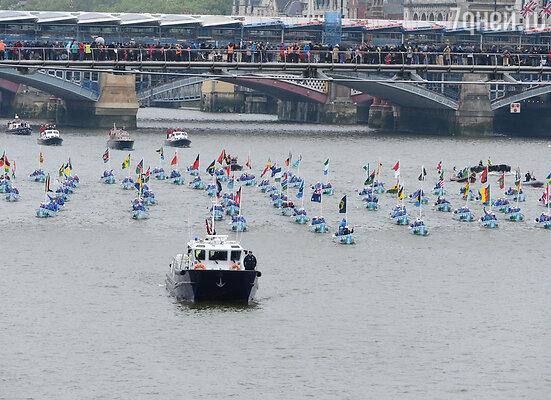 Флотилия на Темзе в честь вошла в Книгу рекордов Гиннесса как самая большая речная процессия в мире