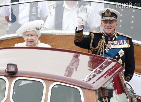 Королева Елизавета II и ее супруг, герцог Эдинбургский Филипп
